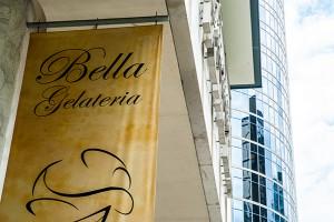 118_bella-sign